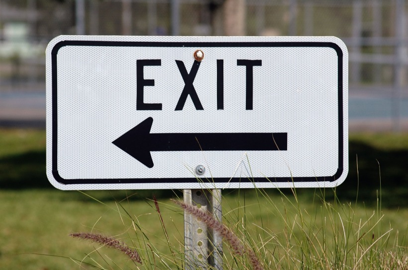 exit-sign-1744730_1920